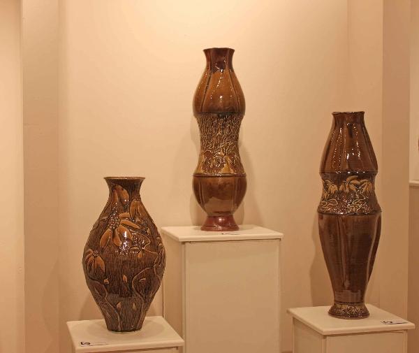 the village potters, asheville, nc, spotlight gallery, fine crafts, ceramics, Sculpture, painting, sarah wells rolland, bernie segal, jennie buckner