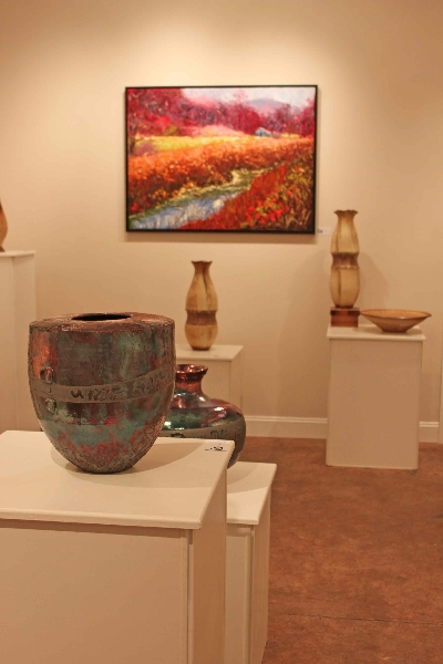 the village potters, asheville, nc, spotlight gallery, fine crafts, ceramics, Sculpture, painting, sarah wells rolland, bernie segal, jennie buckner