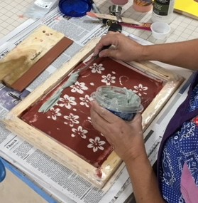 Screen printing on clay